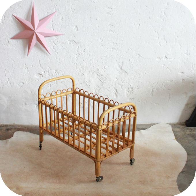 j324 lit berceau poupee jouet vintage b atelier du petit parc. Black Bedroom Furniture Sets. Home Design Ideas