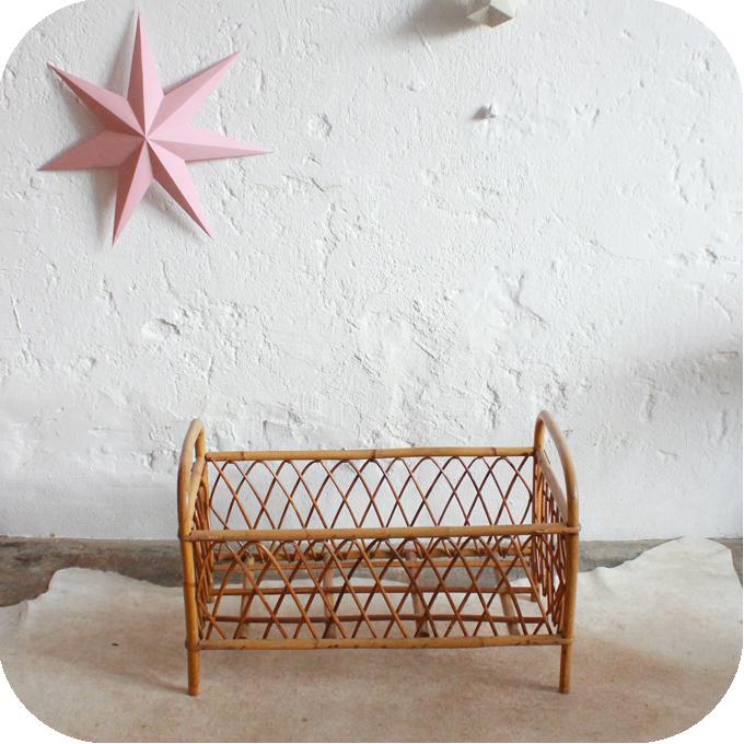 j327 lit poupee vintage jouet ancien a atelier du petit parc. Black Bedroom Furniture Sets. Home Design Ideas