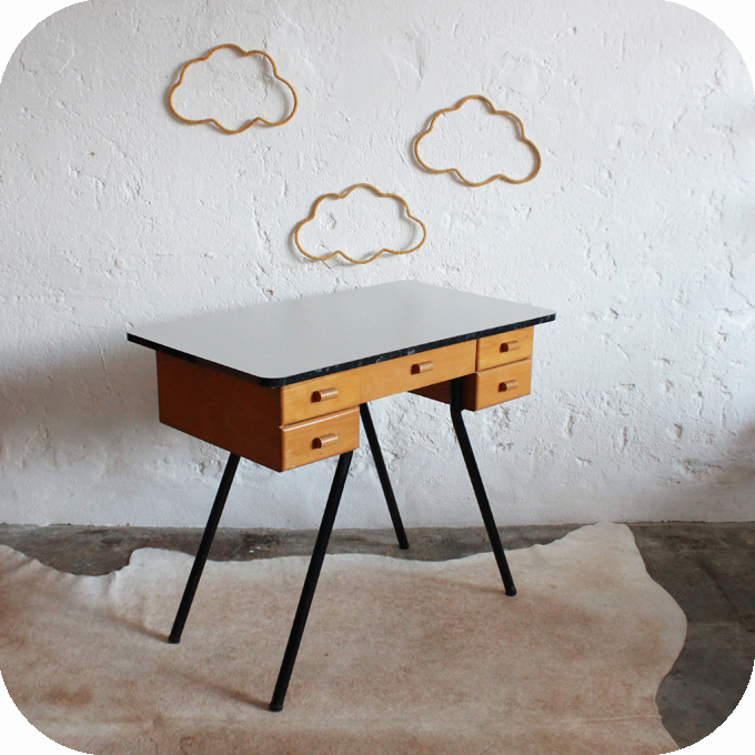 d311 bureau vintage enfant formica b atelier du petit parc. Black Bedroom Furniture Sets. Home Design Ideas