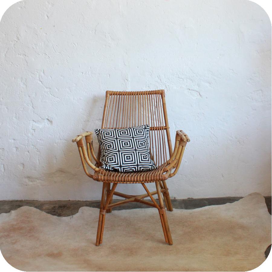 C385_mobilierannees50-fauteuilrotin-a