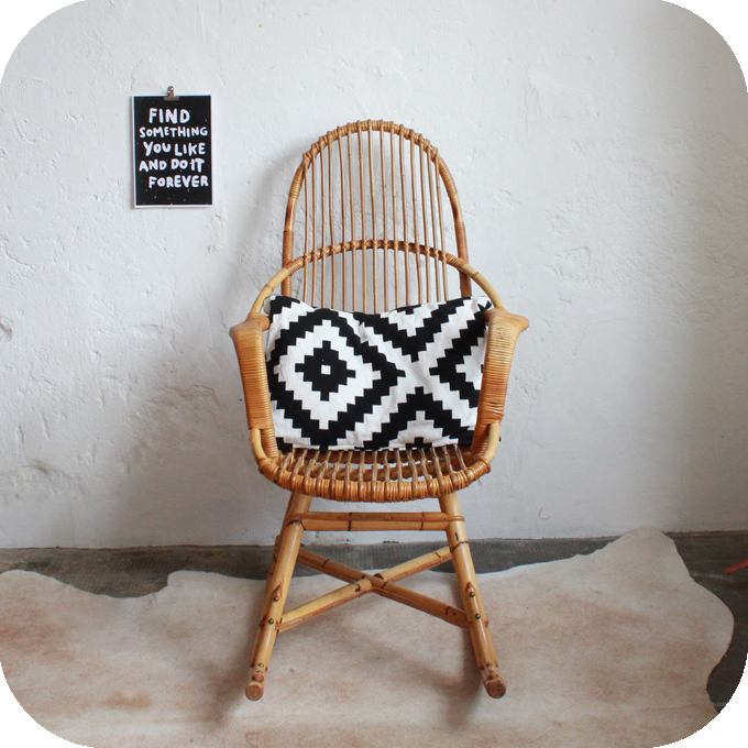 E329_Rocking-chair-vintage-a