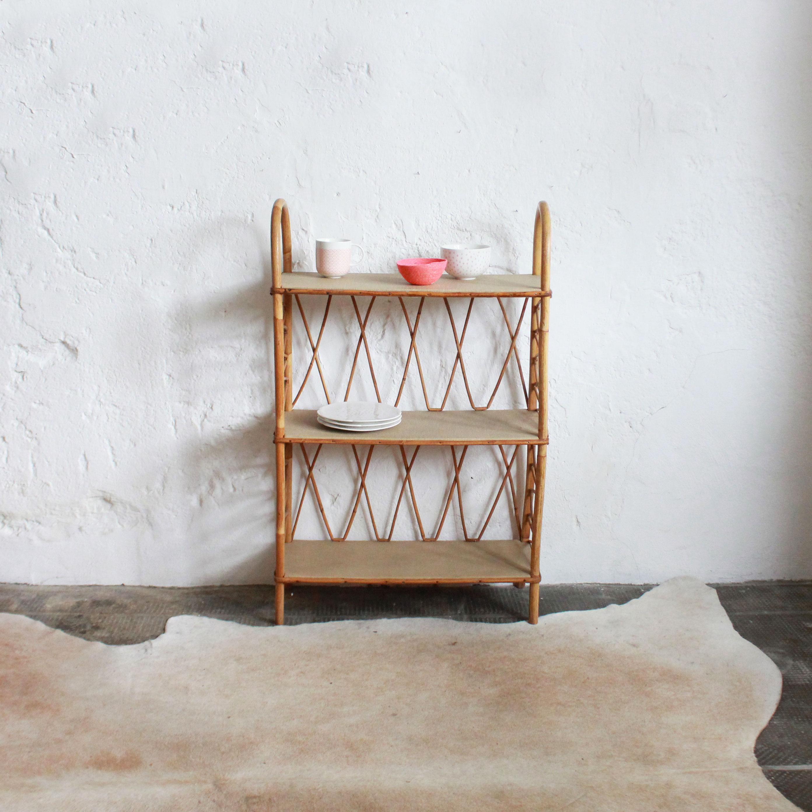 biblioth que en rotin des ann es 50 atelier du petit parc. Black Bedroom Furniture Sets. Home Design Ideas