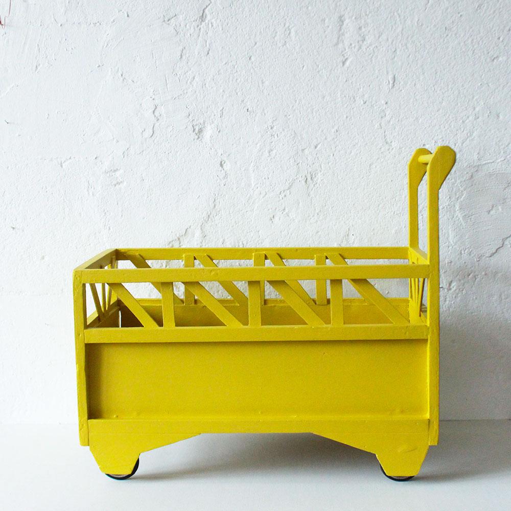 lit poup e en bois vintage atelier du petit parc. Black Bedroom Furniture Sets. Home Design Ideas