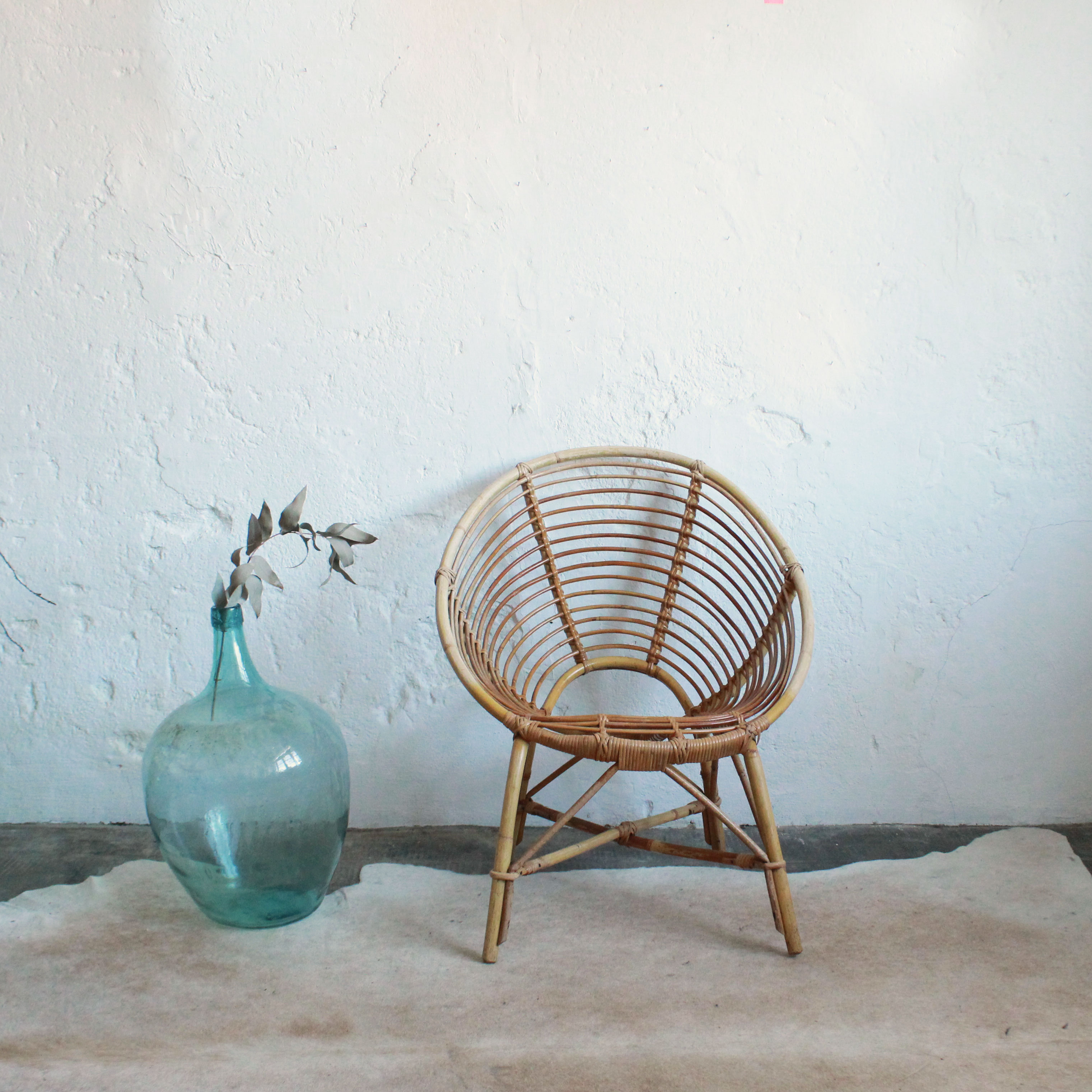 Fauteuil-rotin-vintage-spirale-F702-a