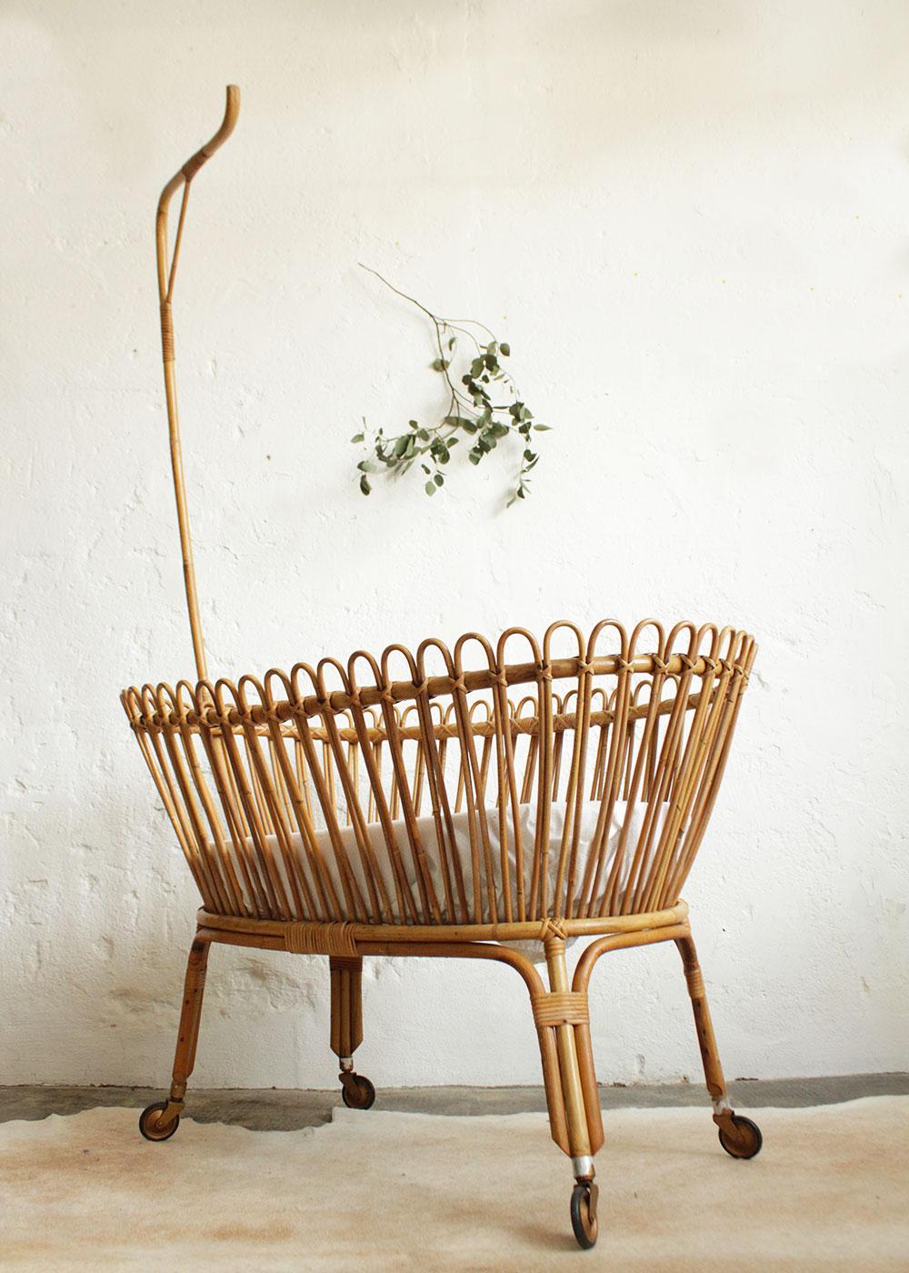 berceau rotin vintage f336 e atelier du petit parc. Black Bedroom Furniture Sets. Home Design Ideas