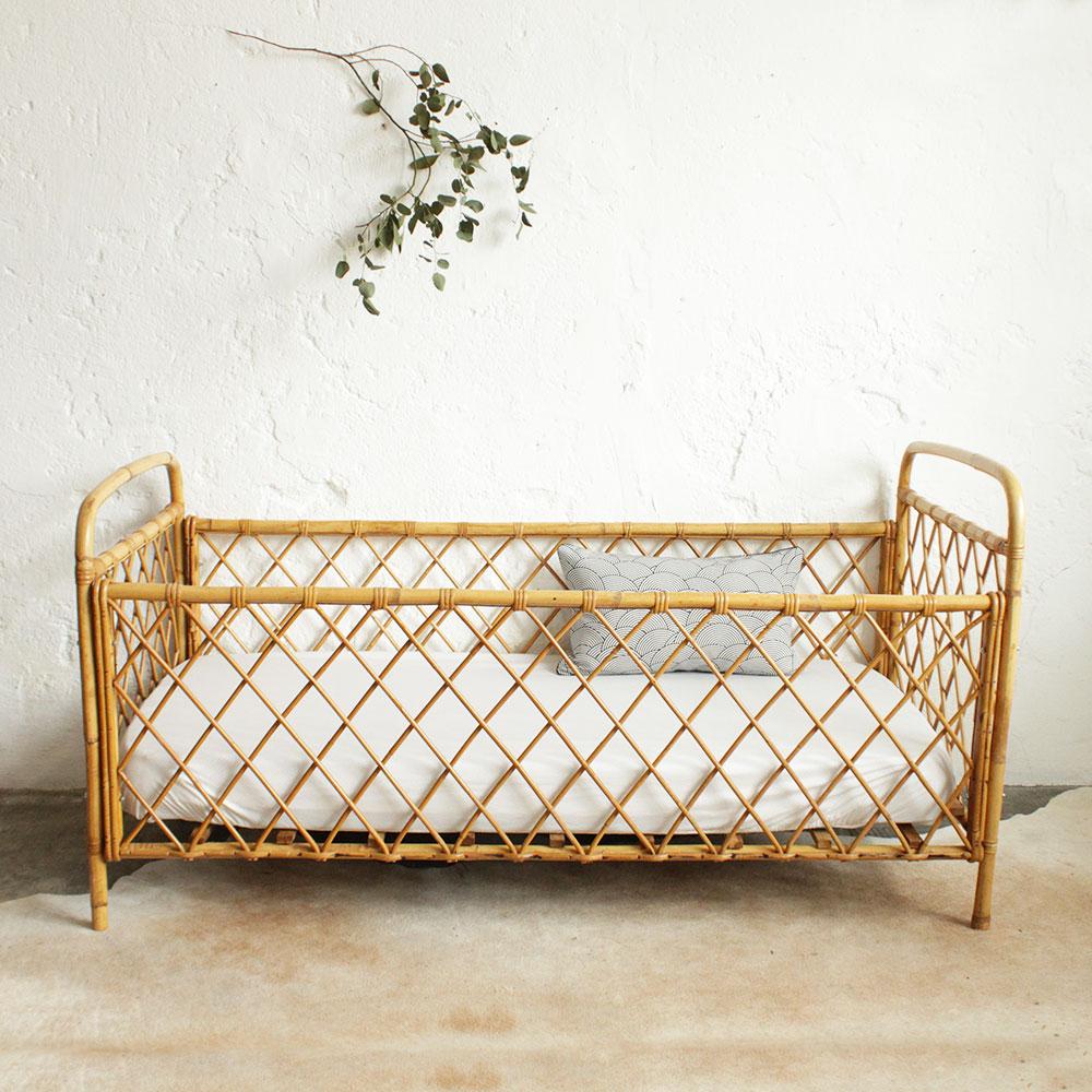 lit b b rotin vintage d montable atelier du petit parc. Black Bedroom Furniture Sets. Home Design Ideas