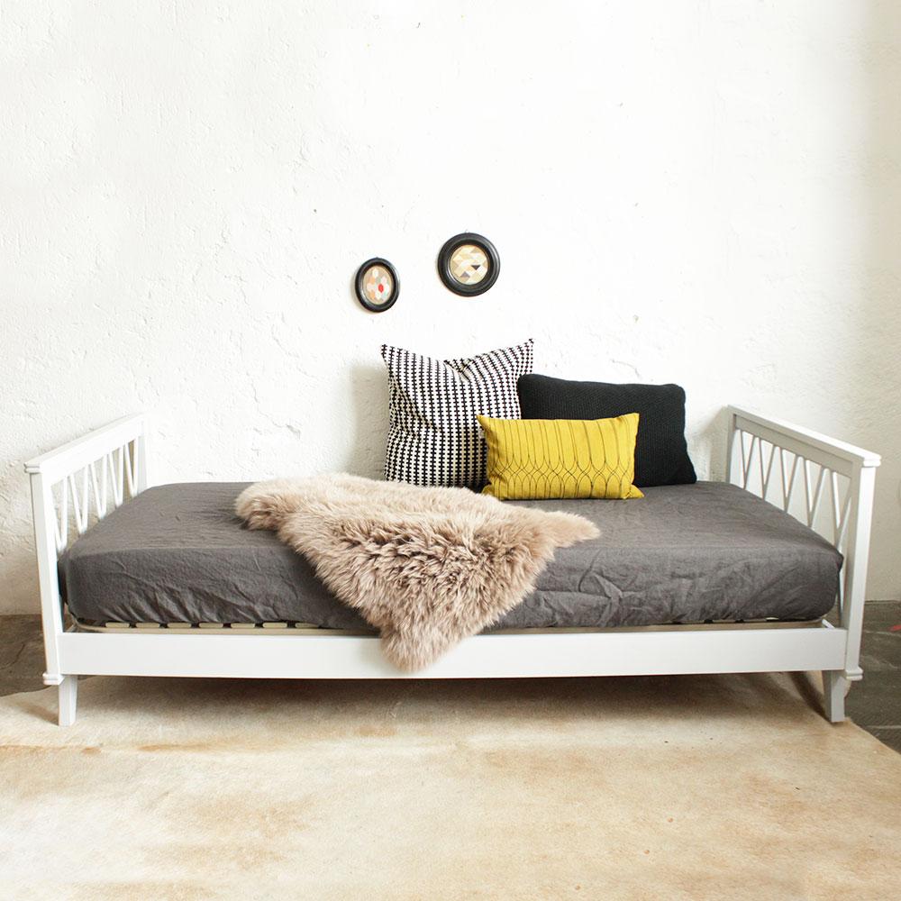 lit daybed bois vintage atelier du petit parc. Black Bedroom Furniture Sets. Home Design Ideas