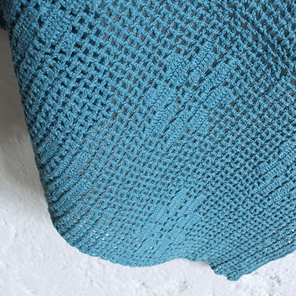 plaid vintage en crochet teint atelier du petit parc. Black Bedroom Furniture Sets. Home Design Ideas