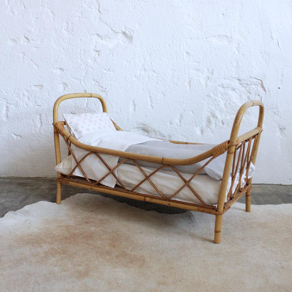 lit poup e rotin vintage j340 atelier du petit parc. Black Bedroom Furniture Sets. Home Design Ideas