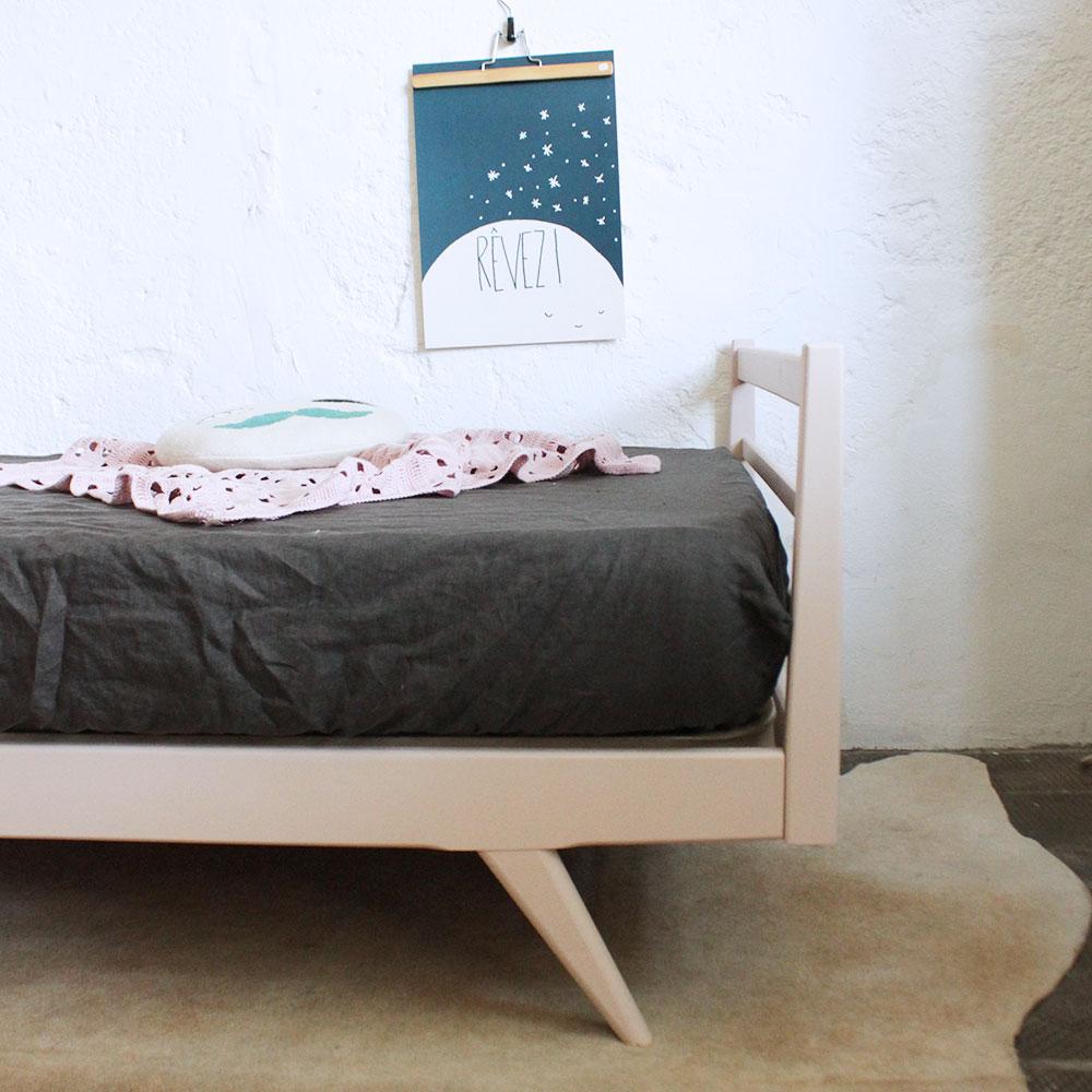 Lit daybed bois vintage atelier du petit parc - Lit scandinave vintage ...