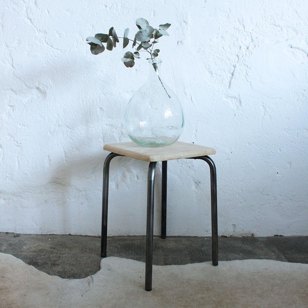 tabouret bois et m tal vintage atelier du petit parc. Black Bedroom Furniture Sets. Home Design Ideas