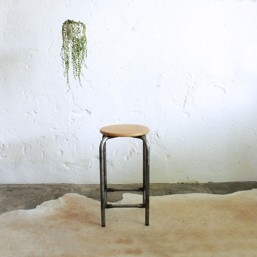 tabouret d 39 atelier vintage atelier du petit parc. Black Bedroom Furniture Sets. Home Design Ideas