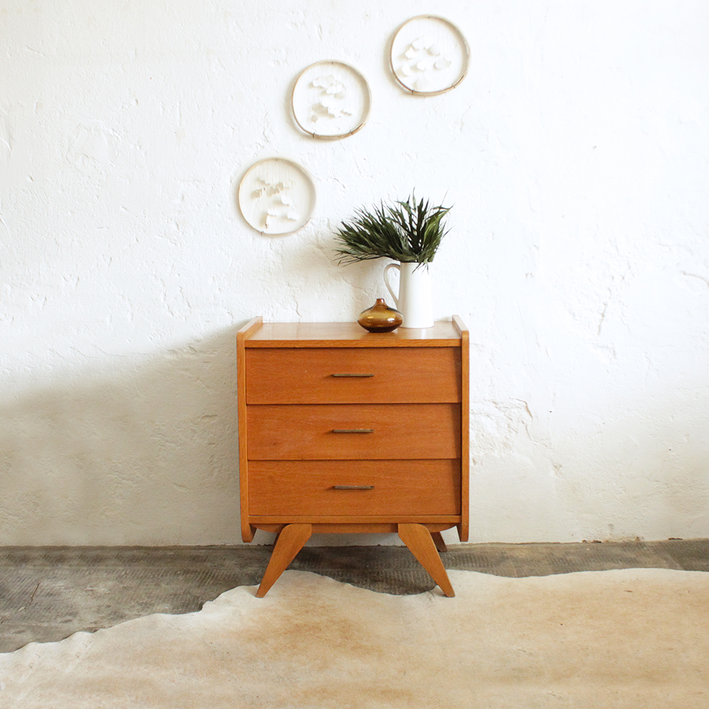 commode vintage en ch ne atelier du petit parc. Black Bedroom Furniture Sets. Home Design Ideas
