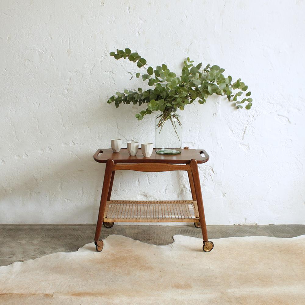desserte scandinave vintage en teck atelier du petit parc. Black Bedroom Furniture Sets. Home Design Ideas