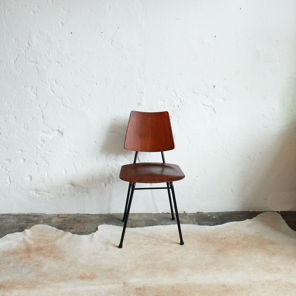 chaise style ilmari tapiovaara vintage atelier du petit parc. Black Bedroom Furniture Sets. Home Design Ideas