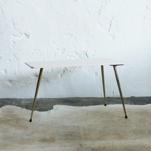 Table-tripode-rose-dorée-G288_a