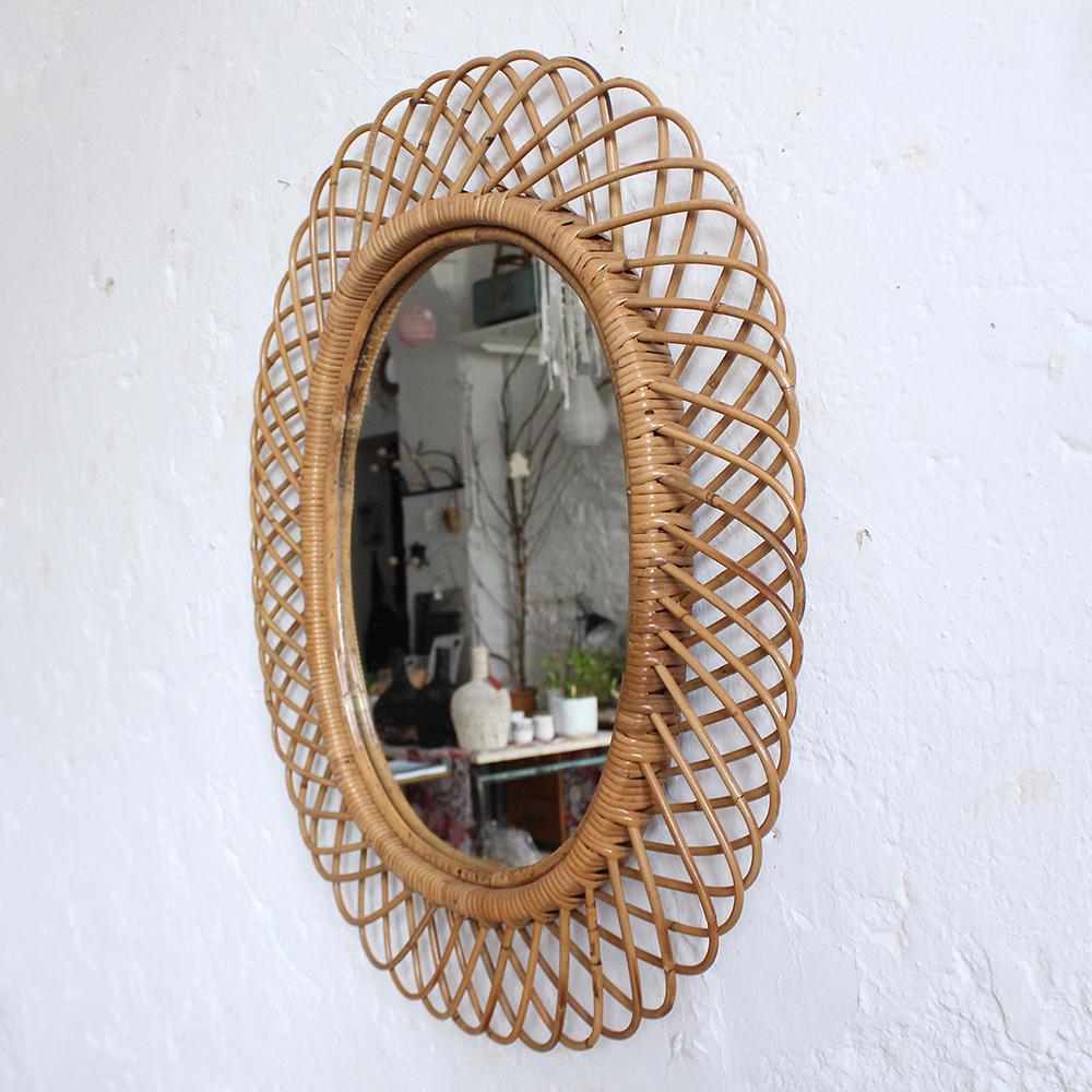 miroir rotin vintage forme fleur atelier du petit parc. Black Bedroom Furniture Sets. Home Design Ideas