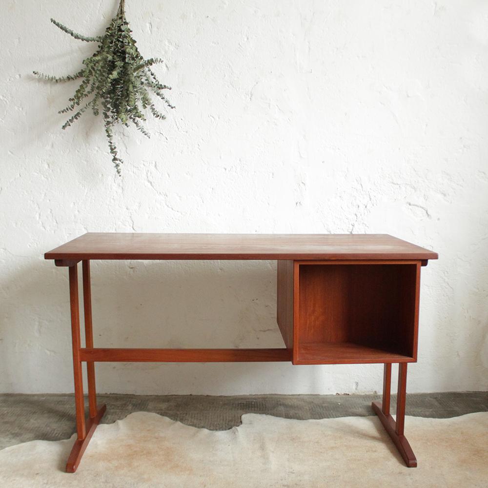 bureau teck danois vintage scandinave h366 j atelier du petit parc. Black Bedroom Furniture Sets. Home Design Ideas