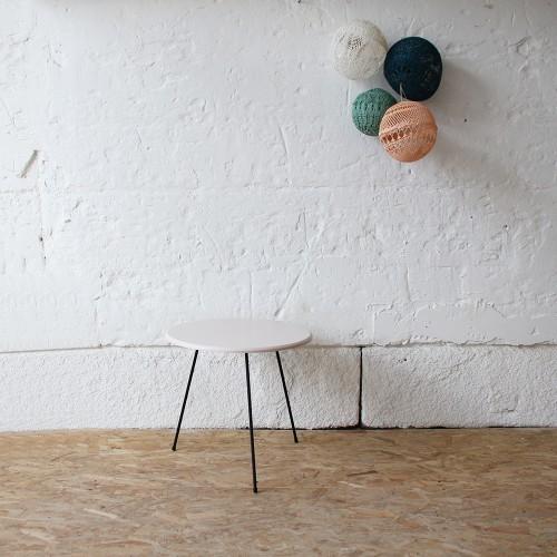 table-tripode-pieds-metaliques-vintage-D360_a