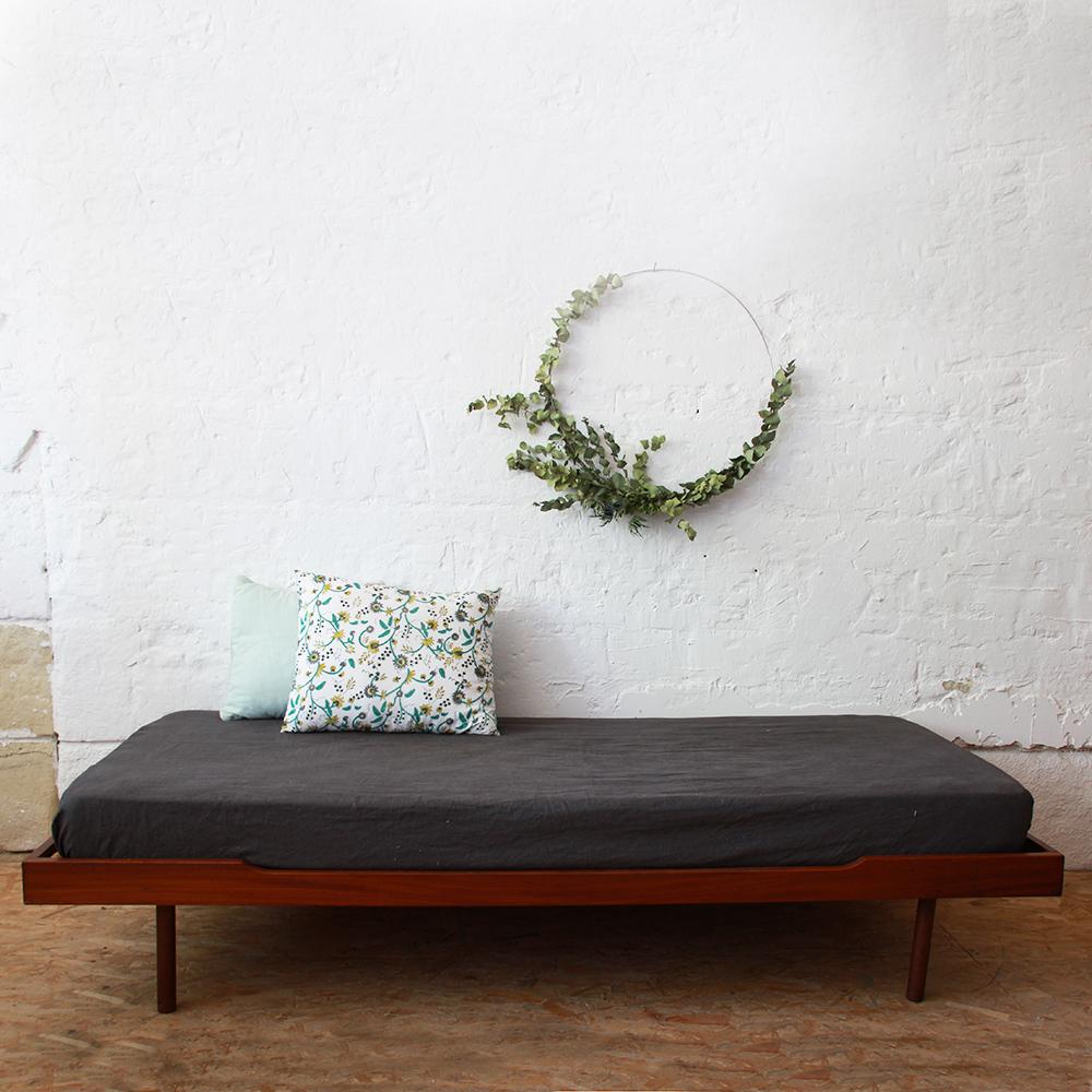 banquette lit daybed danois teck atelier du petit parc. Black Bedroom Furniture Sets. Home Design Ideas