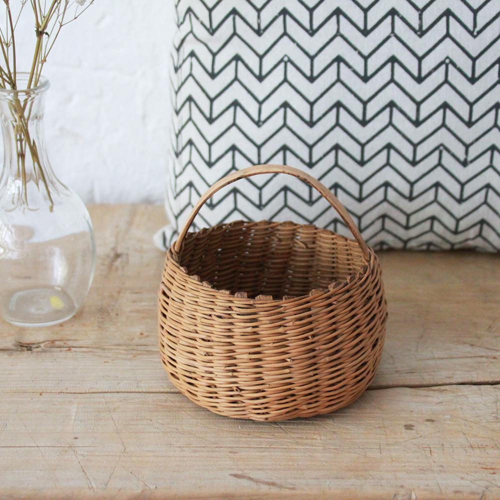 joli panier rotin wabi sabi atelier du petit parc. Black Bedroom Furniture Sets. Home Design Ideas