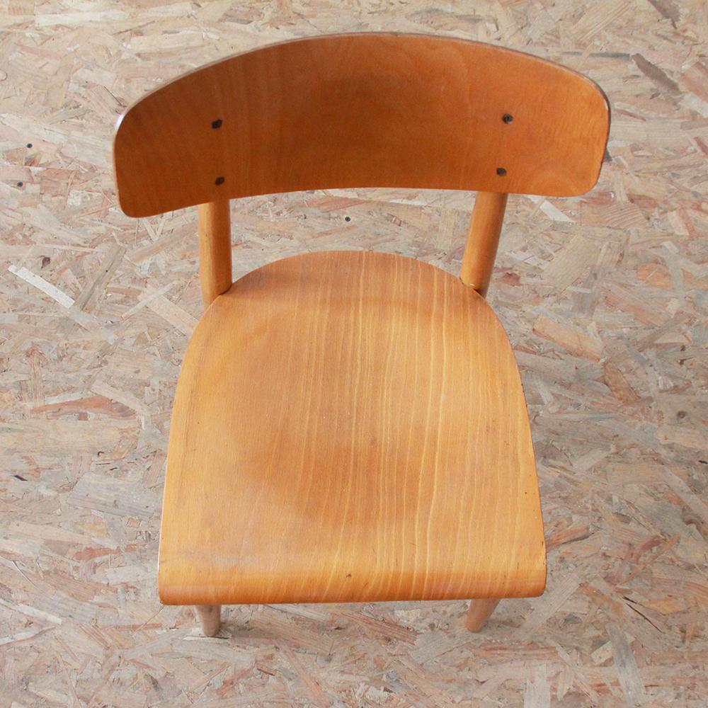 chaise vintage r publique tch que atelier du petit parc. Black Bedroom Furniture Sets. Home Design Ideas