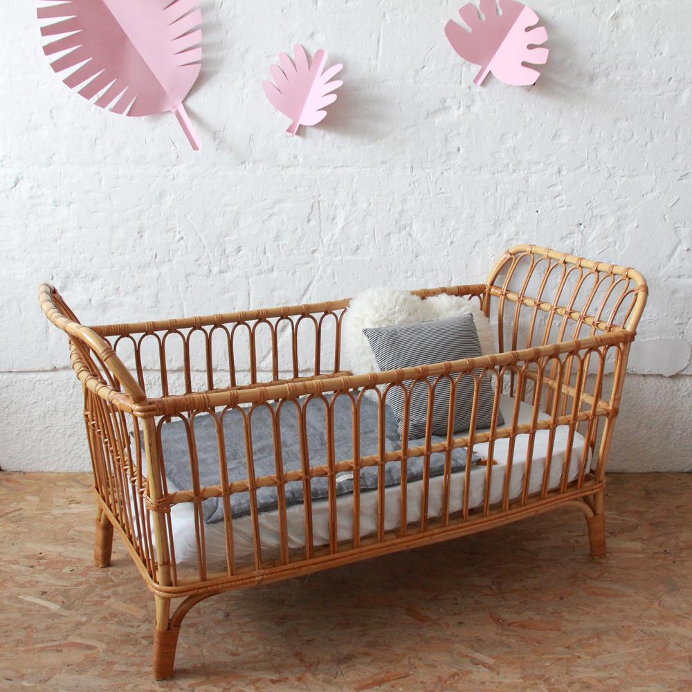 Lit Bebe Rotin : lit b b en rotin vintage atelier du petit parc ~ Teatrodelosmanantiales.com Idées de Décoration