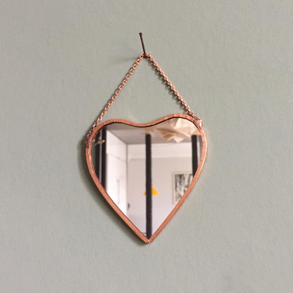 miroir cuivre grand coeur atelier du petit parc. Black Bedroom Furniture Sets. Home Design Ideas