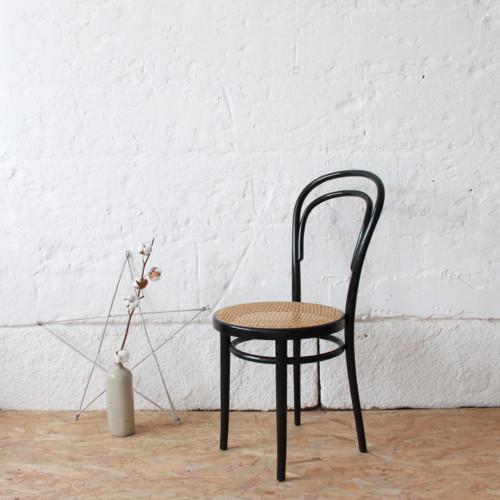 Chaise vintage thonet atelier du petit parc for Cannage de chaise technique