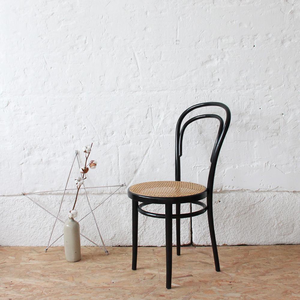 chaise thonet prix maison design. Black Bedroom Furniture Sets. Home Design Ideas