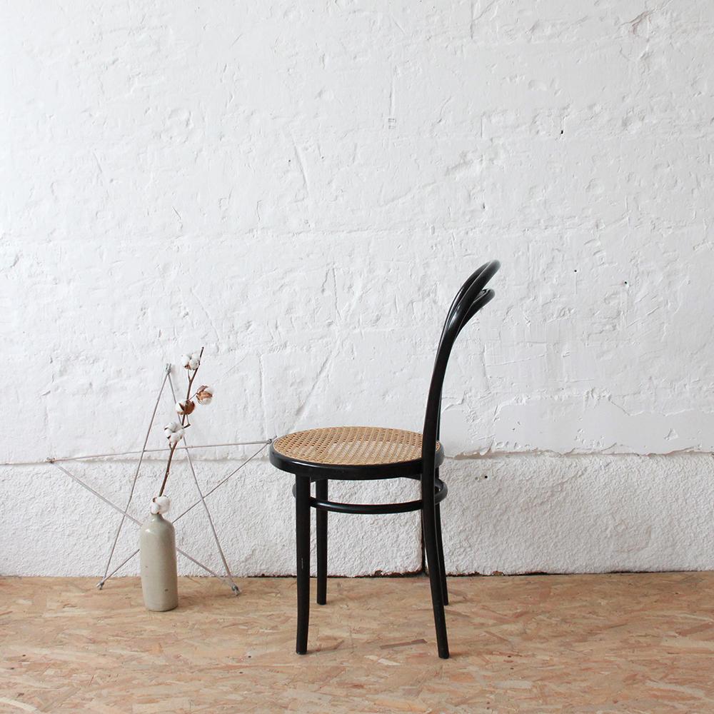 chaise vintage thonet atelier du petit parc. Black Bedroom Furniture Sets. Home Design Ideas