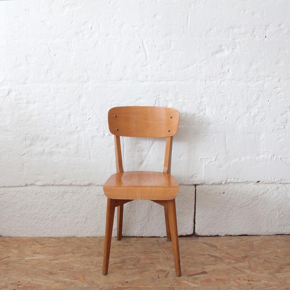 chaise bistrot vintage atelier du petit parc. Black Bedroom Furniture Sets. Home Design Ideas